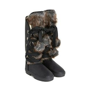 NWOT Lace-up Boots with FauxFur Trim and Lining